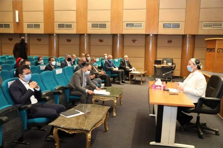وزيرة البيئة تناقش مع شركات تحويل المخلفات لطاقة آليات التمويل والبدء فى إجراءات التنفيذ