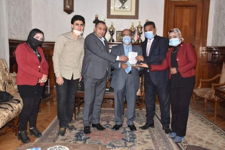 حزب الجيل يكرم المهندس أحمد جابر رئيس شركة مياة الشرب بالإسكندرية
