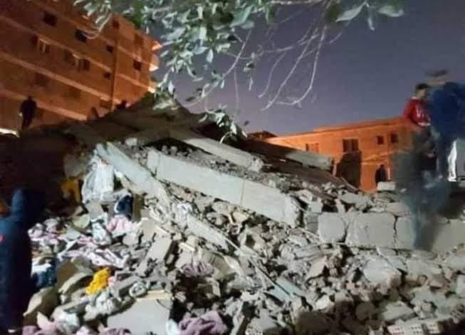 ارتفاع أعداد ضحايا عقار جسر السويس المُنهار إلى 5 وفيات و24 مصابًا