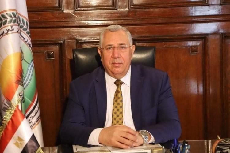 وزير الزراعة يغادر القاهرة إلى جنوب السودان لاستكمال مباحثات التعاون الزراعي بين البلدين
