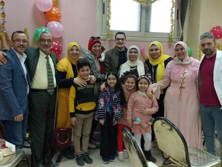 مظاهرة حب بتكريم إحدى قيادات الشهرالعقاري بالقليوبية