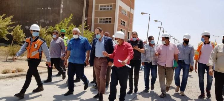 رئيس جهاز بني سويف الجديدة والنائب الأول لرئيس شركة المقاولون العرب يتفقدان مشروعات المرافق الجاري تنفيذها بالمدينة