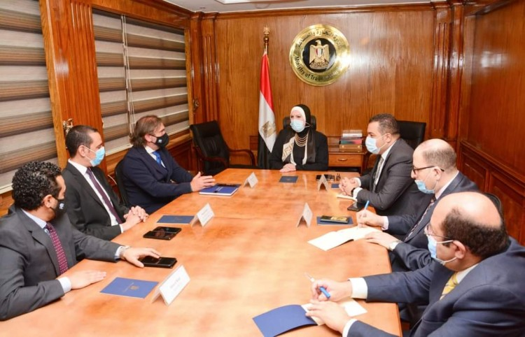 وزيرة التجارة والصناعة تلتقى وفد شركة بي اس اتش العالمية  لبحث استراتيجة الشركة التوسعية بالسوق المصري