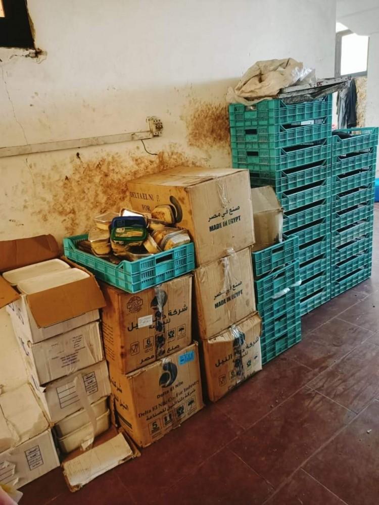 ضبط مصنع لحيازته سلع غذائية منتهية الصلاحية في الإسكندرية