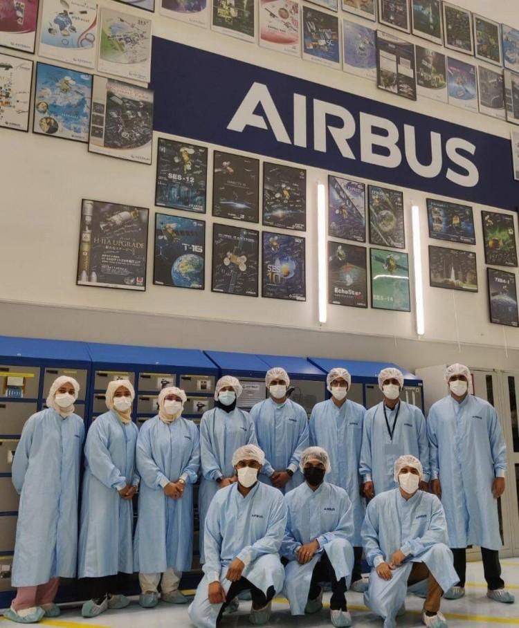 جامعة الإمارات تسهم في تطوير مهارات وخبرات مهندسيها في مجال الفضاء