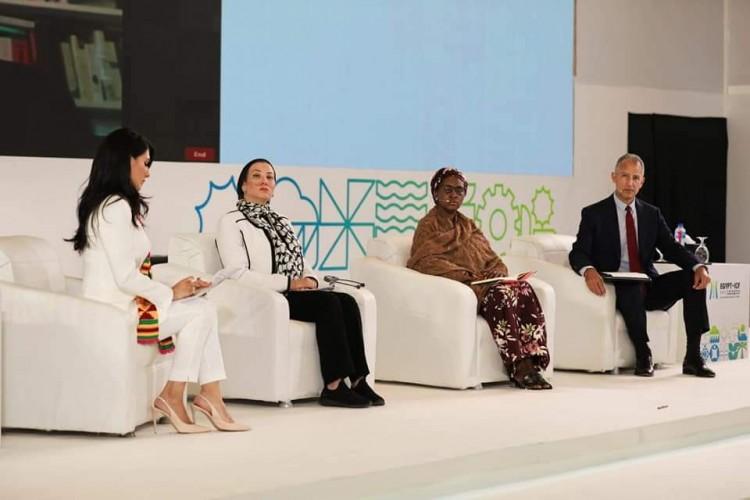 وزيرة البيئة تشارك في حلقة نقاشية عن «التحول الأخضر»