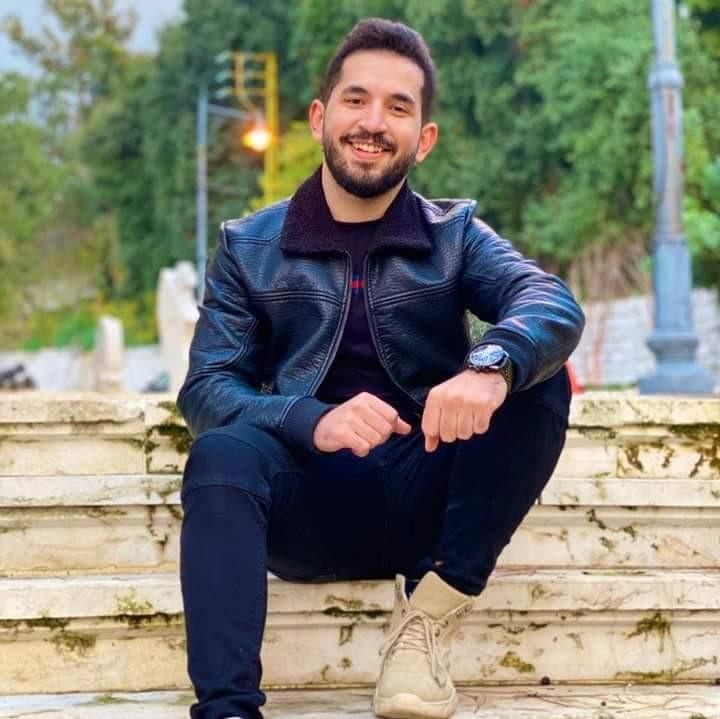 عمرو الشاذلي يشوق جمهوره عبر مواقع التواصل الاجتماعي