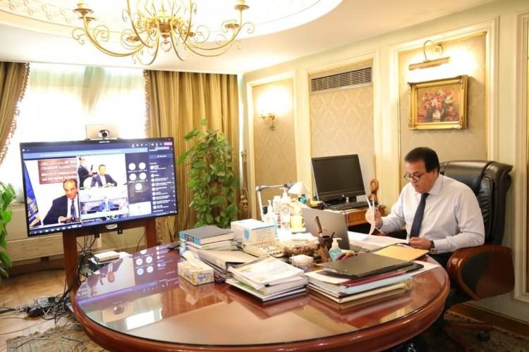 وزير التعليم العالي يتلقى تقريرًا حول اجتماع مجلس المراكز والمعاهد والهيئات البحثية