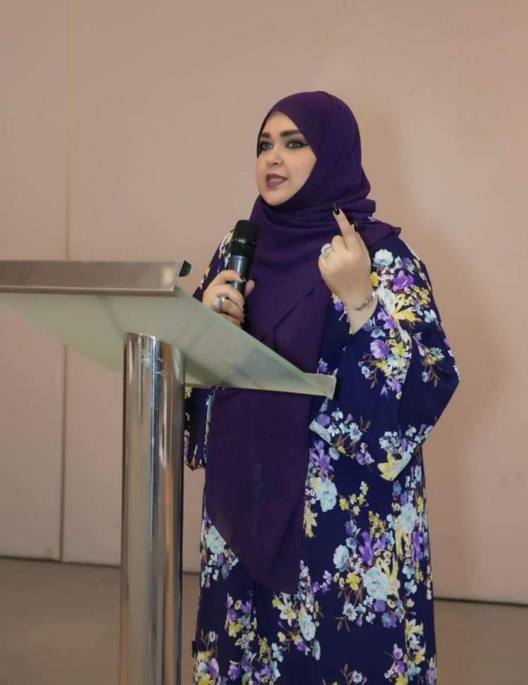 تهاني التري : دولة الإمارات تتقدّم بالعلم لا بالخطب الرنانة