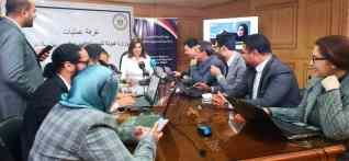 وزيرة الهجرة تجتمع بفريق عمل غرفة العمليات لمتابعة سير عملية الاستفتاء بالخارج