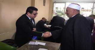 وكيل أوقاف الإسكندرية يدلي بصوته في استفتاء الدستور 2019