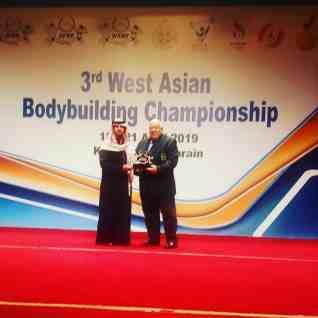 تكريم خاص للدكتور عادل فهيم في ختام بطوله غرب آسيا لكمال الاجسام في البحرين