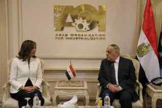 وزيرة الهجرة تبحث الشراكة والتصنيع مع شركة الإمارات للألومنيوم بالتعاون مع الهيئة العربية للتصنيع
