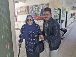 كبار السن يتقدمون الصفوف للمشاركة في التصويت على التعديلات الدستورية بكفر الشيخ