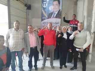 امينه المراة تجوب شوراع مينا البصل والورديان لحث الناس على المشاركة فى الاستفتاء