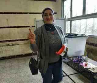هيام حلاوة الاقبال الكثيف من جانب المصريين دليل علي وطنيتهم