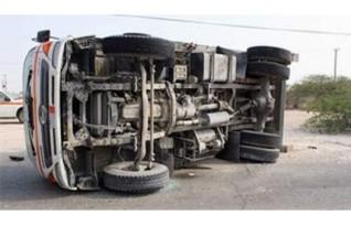 مصرع 3 أشخاص في حادث انقلاب سيارة نقل بطريق الضبعة