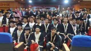 رئيس جامعة طنطا والمستشار الثقافي الصينى يشهدان حفل تكريم غير الناطقين باللغة العربية