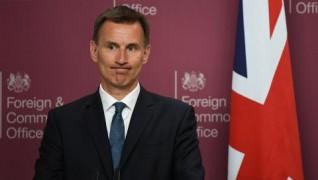 وزير خارجية بريطانيا يحذر البريطانيين الإيرانيين من السفر إلى إيران