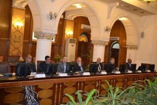 علوم  المياه بجامعة الإسكندرية تجتمع مع ممثلو القطاعين العام والخاص