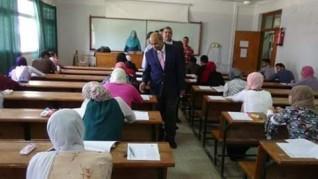 رئيس جامعة المنيا يتفقد لجان الامتحانات