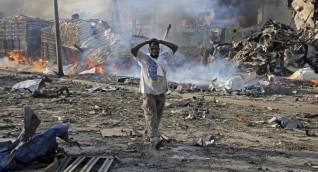 انفجار سيارة مفخخة عند حاجز أمني قرب القصر الرئاسي في العاصمة الصومالية