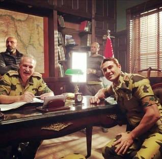 """""""قائد بسلاح الصاعقة"""".. ظهور مميز للمُخرج عمر زهران خلال أحداث فيلم """"الممر"""""""