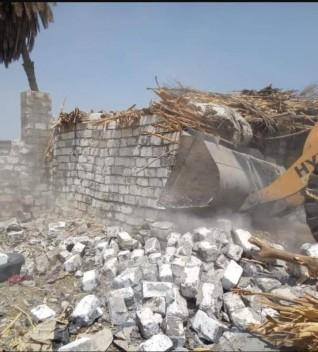 إزالة ٢٠ حالة تعدى على الأراضى الزراعية وأملاك الدولة بالبرجايه فى المنيا