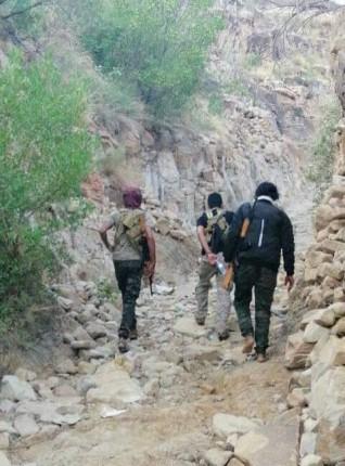 صعدة :الجيش الوطني يصل قرية آل جراد التابعة لمديرية باقم ويحرر عددا من المواقع