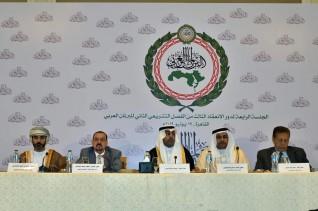 رئيس البرلمان العربي يدعو الدول إلى تغليب المصلحة الوطنية
