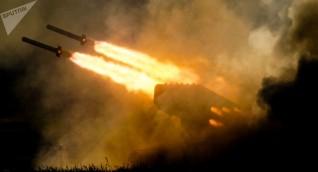 راجمات الجيش السوري تستهدف مواقع المسلحين في ريف إدلب