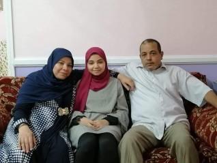 الأولى في الثانوية العامة على مستوى إدارة مرسي علم: لكل مجتهد نصيب.. وعمي  أول من أبلغني النتيجة