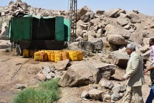 محافظ أسوان يرصد حالات التعدى على أراضى الدولة بمنطقة المسلة الناقصة