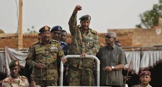 البرهان يحسم أمر وجود القوات السودانية في اليمن ومفاجأة بشأن انسحاب الإمارات