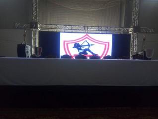 بدء الإستعدادات للمؤتمر الصحفى لرئيس نادى الزمالك