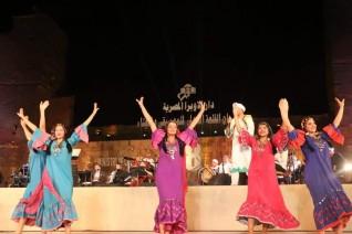 الفنون الشعبية تضيء مهرجان القلعة الدولي للموسيقي والغناء بفرقة رضا