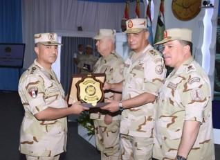 وزير الدفاع يفتتح المرحلة النهائية من تطوير النظام الإشاري لحرس الحدود