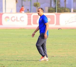 مدير الكرة بالأهلي يرتب لرحلة غينيا الاستوائية