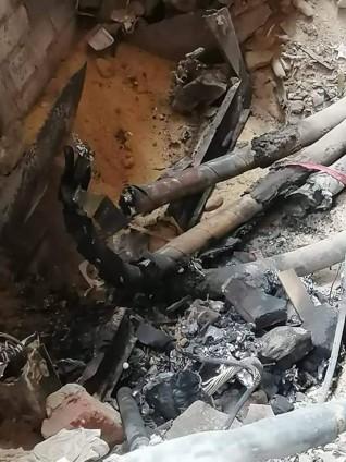 حريق كابينة كهرباء يتسبب فى إنقطاع الكهرباء بالخصوص