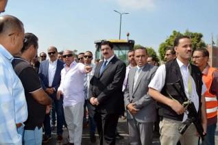 محافظ القليوبية ووزير النقل يتفقدان إنشاء كوبريين بطريق بنها - كفر شكر