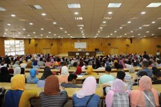 أداب المنصورة تنظم محاضرات تعريفية للطلاب الجدد للترحيب بهم في أول يوم دراسي