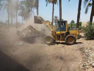 رفع 120 طن من القمامة ضمن حملة نظافة مكبرة لرفع كفاءة منظومة النظافة بمجلس قروى تندة بالمنيا