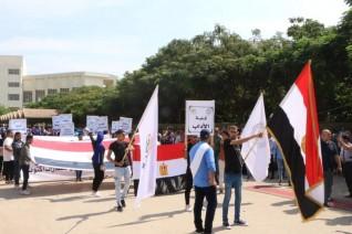 أداب المنصورة تنظم مسيرة احتفالا بنصر أكتوبر