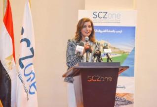 جولة لوزيرتي الهجرة والتخطيط بصحبة خبراء «مصر تستطيع» في قناة السويس