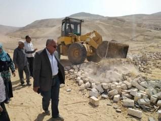 """إزالة  77 حالة تعدي ضمن الموجة 14 لحملات """"حق الشعب"""" بملوى فى المنيا"""
