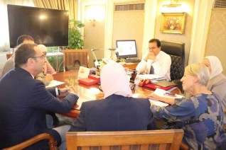 وزير التعليم العالى يبحث آليات التعاون العلمى والبحثى مع وفد المنظمة الدولية