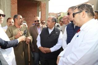 وزير الزراعة يتابع أعمال الحملة القومية للتحصين ضد مرضى الحمى القلاعية والوادى المتصدع بالفيوم