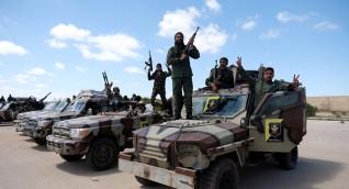 الجيش الليبي يبدأ تقدمه على عدة محاور في طرابلس الآن