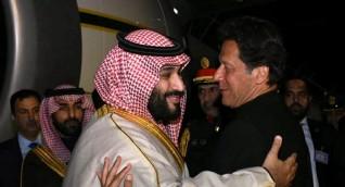 ولي العهد السعودي يلتقي رئيس الوزراء الباكستاني عمران خان