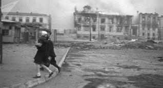 موسكو: دحض مزاعم تواطؤ ستالين وهتلر